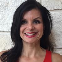 Dianne Folleto headshot
